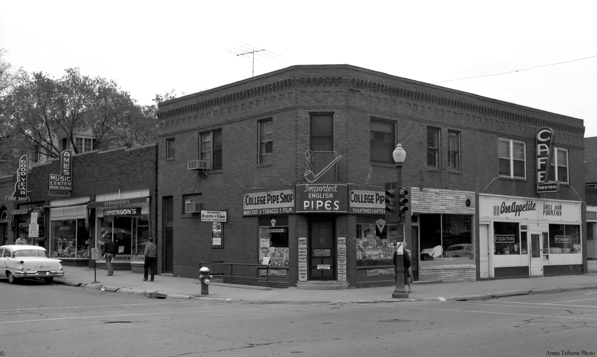 College pipe shop ames historical society for Lincoln motor inn van wyck
