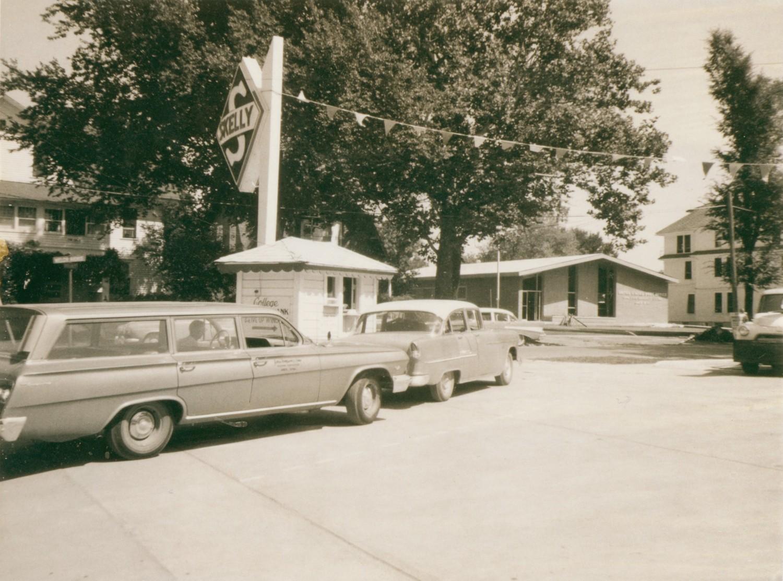College savings bank ames historical society for Lincoln motor inn van wyck