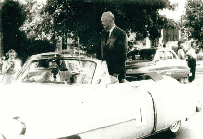 1948_dwight_eisenhower_campain_in_ames_covey.jpg