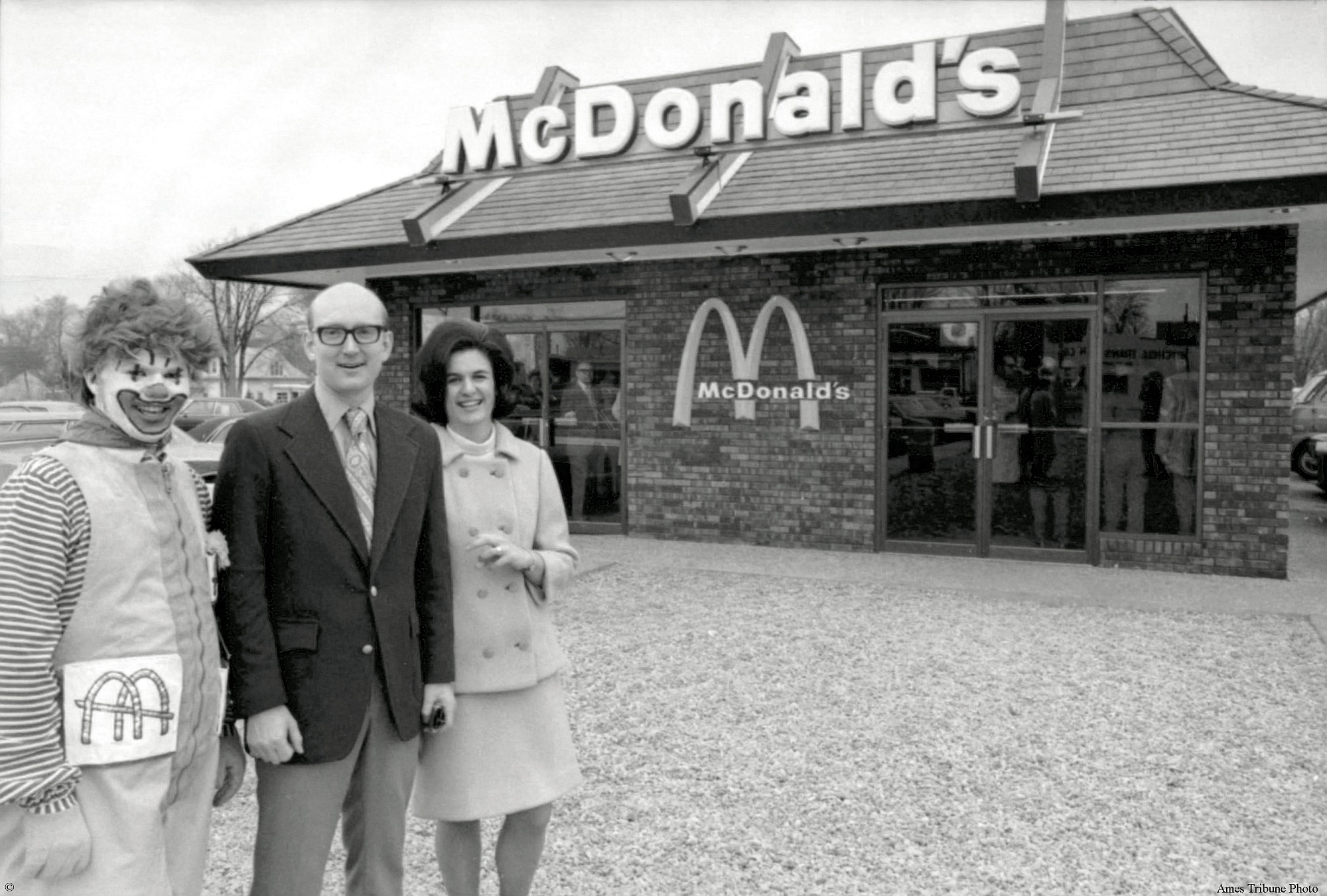 Where Did Mcdonalds Open Its First Restaurant