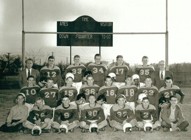 covey_1953_central_football_team.jpg